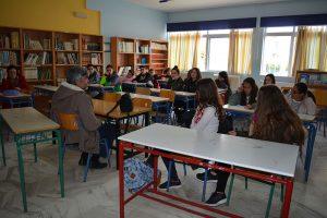 """<span style=""""font-size:12pt"""">Η συνάντηση της ομάδας Erasmus της Β τάξης με τον κ. Τραγιάννη βοήθησε τους μαθητές να αντιληφθούν τον τρόπο σύλληψης και λειτουργίας του ποδηλατοδρομικού δικτύου.</span>"""